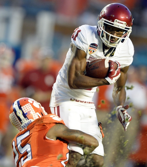 Oklahoma Football: Sooners Gassed, Gashed by Clemson ...